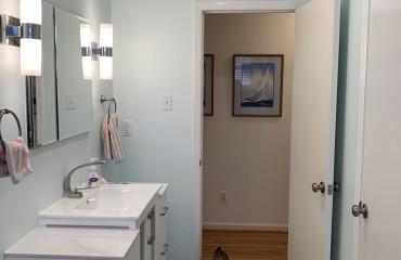 01_birmingham_bathroom_remodeled.JPG