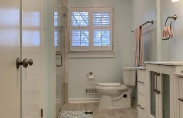 08_birmingham_bathroom_remodeled.JPG