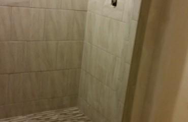 bathroom02_bathroom.jpg