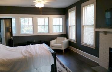 bed03_bedroom.jpg