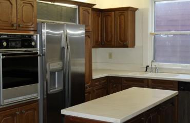 kitchen08_kitchen.JPG
