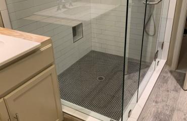 shower_glass_installed_1.JPG