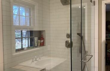 shower_glass_installed_2.JPG