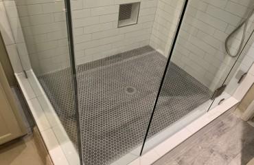 shower_glass_installed_3.JPG