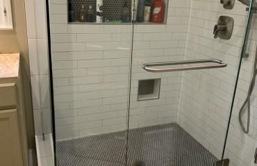 shower_glass_installed_5.JPG